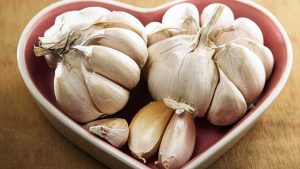 Is Garlic Good For Immune System - 5 Amazing Benefits And Uses Of Raw Garlic For Weight Loss