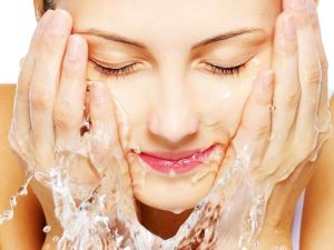 Lukewarm Water - 7 Trick To Get Glowing Skin Naturally At Home