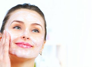 Powerful Baking Soda Scrub For Your Every Skin Flaws
