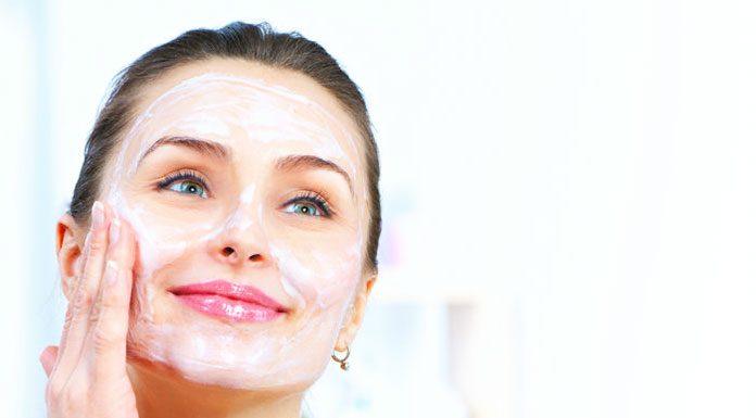Powerful Baking Soda Scrub For Your Every Skin Flaws