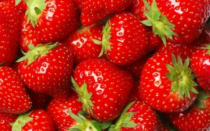 face mask - 3 DIY Strawberry Face Mask Recipes To Make At Home