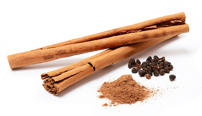 Cinnamon Against Inflammation In The Face - DIY Face Mask For Pimples