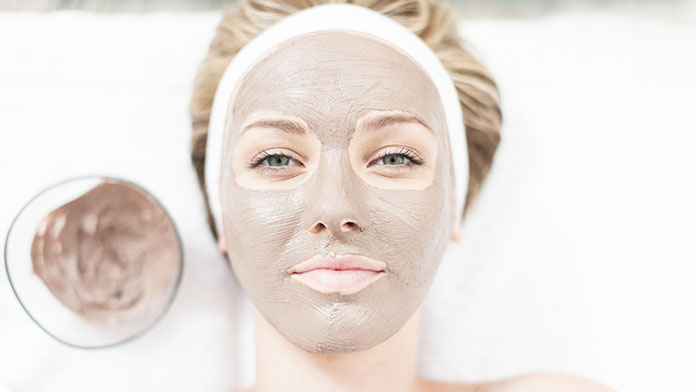 Healing Earth In The Face Mask Against Pimples - The Best DIY Face Mask For Pimples