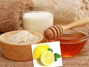 Mask With Honey, Oatmeal, And Milk - DIY Winter Face Mask
