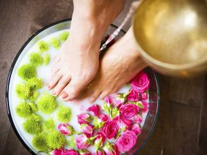 vinegar foot baths perfectly relieve fatigue